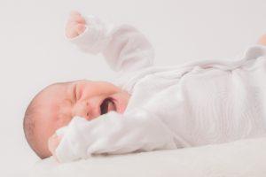 赤ちゃんの鼻水に血が混じっている!