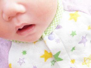 赤ちゃんの鼻水が透明から緑になる原因は?