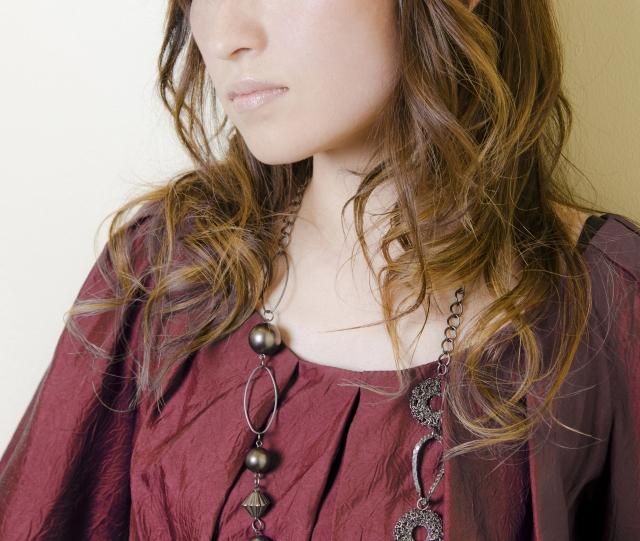 産後の抜け毛が多い時期にパーマはできるの?パーマやカラーはいつからできる?