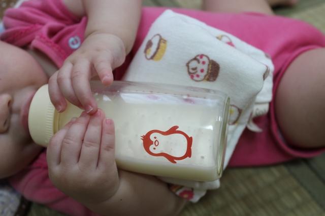 搾乳した母乳を保存できる期間は?冷蔵・冷凍・外出時の保存可能時間は?